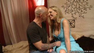Blonde slut Julia Ann fucking at the first date and sucking cock deepthroat